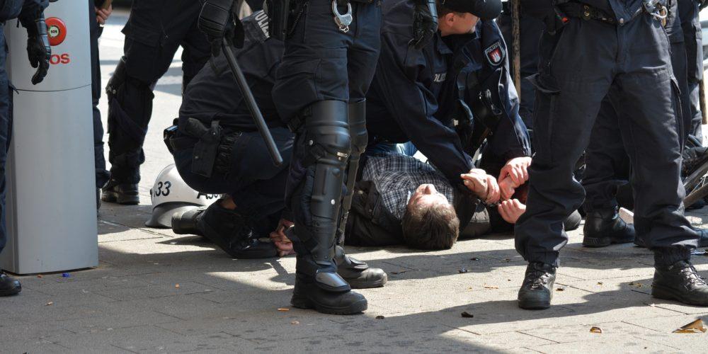 arrest-1399968_1920